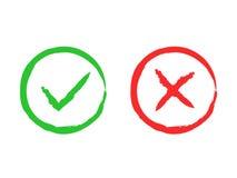 Muestras del cepillo de la señal y de la cruz Marca de cotejo verde ACEPTABLE e iconos rojos de X, aislados en el fondo blanco Ma Fotos de archivo libres de regalías