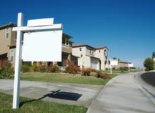 Muestras en blanco de las propiedades inmobiliarias Imagen de archivo libre de regalías