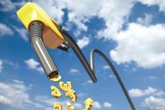Muestras euro que gotean fuera de un surtidor de gasolina amarillo Fotos de archivo libres de regalías