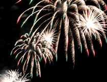 Muestre con los fuegos artificiales coloridos grandes Imagen de archivo libre de regalías