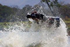 Muestre a estilo libre la acción del truco del esquí del jet Fotografía de archivo libre de regalías