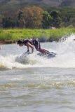 Muestre a estilo libre la acción del truco del esquí del jet Imagenes de archivo
