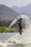 Muestre a estilo libre la acción del truco del esquí del jet Fotografía de archivo