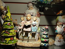 Muestre las tiendas de regalos, central histórico y los grandes almacenes más grandes de St Petersburg, asentando la yarda Foto de archivo