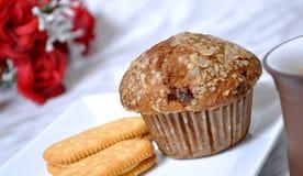 muffin θίχουλων κανέλας τσάι Στοκ Φωτογραφία