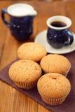 Muffin με τον καφέ Στοκ Φωτογραφία