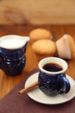 Muffin με τον καφέ Στοκ Φωτογραφίες