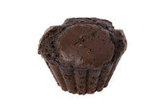 Muffin σοκολάτας που απομονώνεται πέρα από το λευκό Στοκ Φωτογραφίες