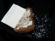 Βουτυρωμένο Muffin πίτουρου μελασών με το τυρί Στοκ φωτογραφία με δικαίωμα ελεύθερης χρήσης