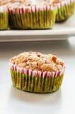 Muffin ai mirtilli casalingo per il Natale Immagine Stock