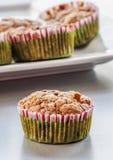 Muffin ai mirtilli casalingo per il Natale Immagine Stock Libera da Diritti