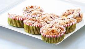 Muffin ai mirtilli casalingo per il Natale Fotografie Stock Libere da Diritti