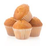 Muffin backt auf Weiß zusammen lizenzfreie stockfotografie