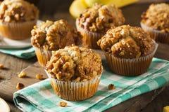 Muffin casalinghi del dado della banana Immagini Stock Libere da Diritti