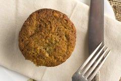 Muffin casalingo della banana da sopra fotografia stock