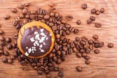 Muffin con i grani di caffè Fotografia Stock Libera da Diritti