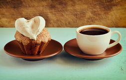 Muffin with a cup of coffee Royalty Free Stock Photography