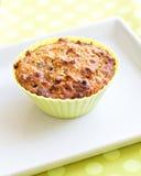 Muffin in de groene vorm van het siliciumbaksel Royalty-vrije Stock Afbeeldingen