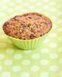 Muffin in de groene vorm van het siliciumbaksel Royalty-vrije Stock Foto's