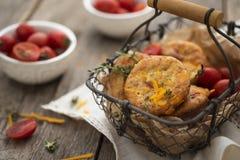 Muffin del cheto con cheddar Fotografia Stock