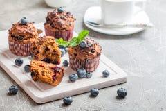 Muffin della carota con blueberrie Immagine Stock