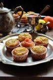 Muffin della vaniglia della pera e della composta di mele Immagini Stock