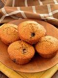 Muffin di crusca casalinghi del mirtillo Fotografie Stock