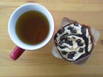 Muffin e pausa tè Fotografie Stock Libere da Diritti