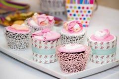 Muffin för ett baby showerparti Arkivbild