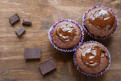 Muffin för tre choklad Arkivbild