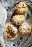 Muffin liberi della mandorla e dell'avena del glutine Immagini Stock