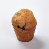 Muffin med russinläxa på en vit bakgrund Royaltyfri Fotografi