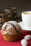 Muffin met de decoratie van Kerstmis Royalty-vrije Stock Foto's