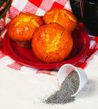 Muffin och ingredienser i bakgrund Royaltyfria Bilder