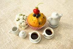 Muffin och kaffe Royaltyfria Bilder
