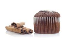 Muffin och pinnekanel Arkivbilder