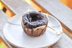 Muffin oder dunkles Schokoladenmuffin lizenzfreie stockfotos