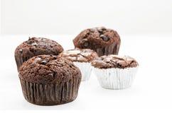 Muffin på vit bakgrund Arkivfoto