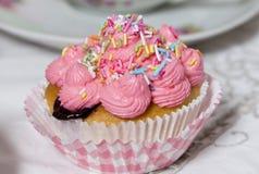 Muffin rosa Fotografie Stock Libere da Diritti