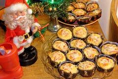Muffin saporiti della pizza per il Natale immagini stock libere da diritti