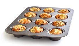 Muffin saudáveis em uma lata fotos de stock