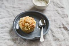 Muffin su un piatto d'annata Fotografia Stock