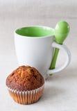 Muffin und Cup Lizenzfreie Stockfotografie