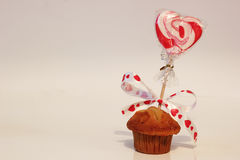 Muffin with valentine heart Royalty Free Stock Photos