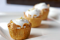 muffiner dekorerat gourmet Royaltyfri Foto