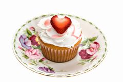 muffinhjärtajordgubbe Royaltyfria Bilder