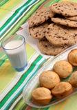 muffins γάλακτος μπισκότων Στοκ Εικόνα