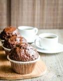 Muffins και καφές σοκολάτας Στοκ εικόνα με δικαίωμα ελεύθερης χρήσης