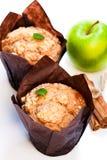 Muffins κανέλας της Apple που απομονώνονται στο λευκό Στοκ Φωτογραφία