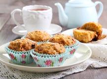 Muffins καρότων και μήλων στοκ εικόνα με δικαίωμα ελεύθερης χρήσης